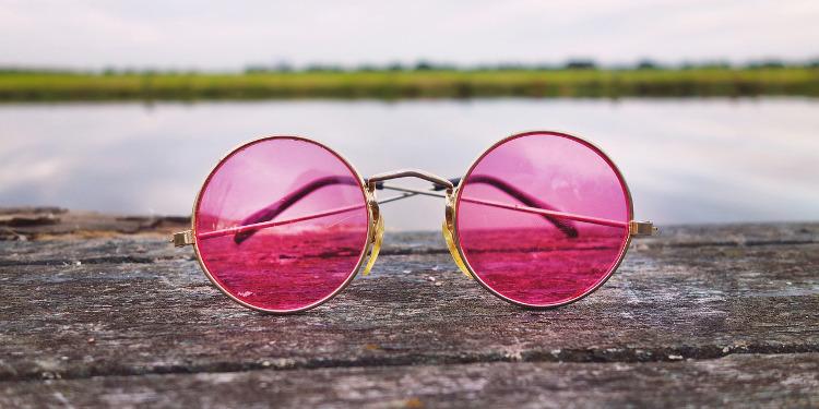 Verliebt sein: rosarote Brille