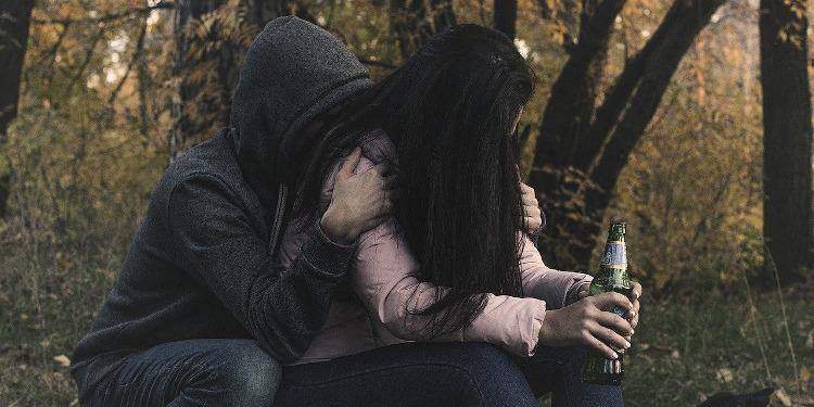 Emotionale Abhängigkeit ist wie Alkoholsucht